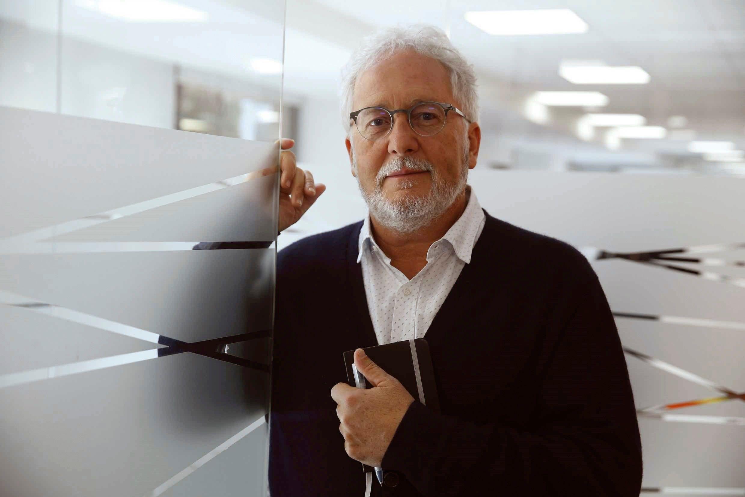 El escritor colombiano Héctor Abad Faciolince (EFE/Paco Campos)