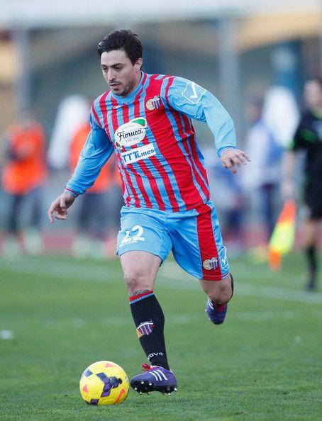 Pablo Álvarez con la camiseta de Catania de Italia