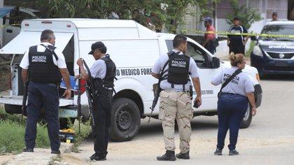 La víctima, identificada como Alma Elizabeth, estaba cubierta con bolsas negras de plástico (Foto: Cuartoscuro)