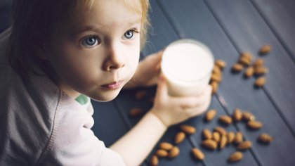 La alergia a la proteína de le leche de vaca es la más frecuente de las alergias alimentarias (Shutterstock)