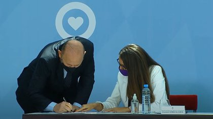 Gildo Insfrán, en su reciente visita a la Casa Rosada, para firmar un compromiso contra la violencia de género
