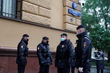 Policías han encarcelado a activistas durante la pandemia (Reuters)