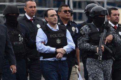 El exgobernador de Quintana Roo fue acusado de lavado de dinero, peculado, aprovechamiento ilícito y ejercicio indebido de la administración pública (Foto: AFP PHOTO / Rodrigo ARANGUA)