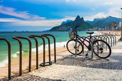 Recorrer las playas de Rio de Janeiro en bici es una experiencia sumamente agradable(Getty Images)