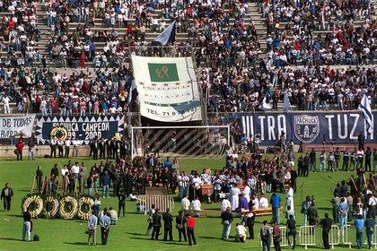 Miles de aficionados rindieron un homenaje al jugador Pablo Hernán Gómez tras su accidente (Foto: Cuartoscuro)