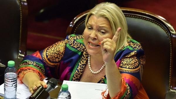 La diputada Elisa Carrió, contra ex ministros de defensa kirchneristas (Foto: Amílcar Orfali)