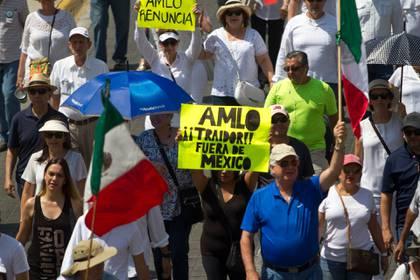 En Monterrey, la población se congregó en la Explanada de los Héroes (Foto: Cuartoscuro)