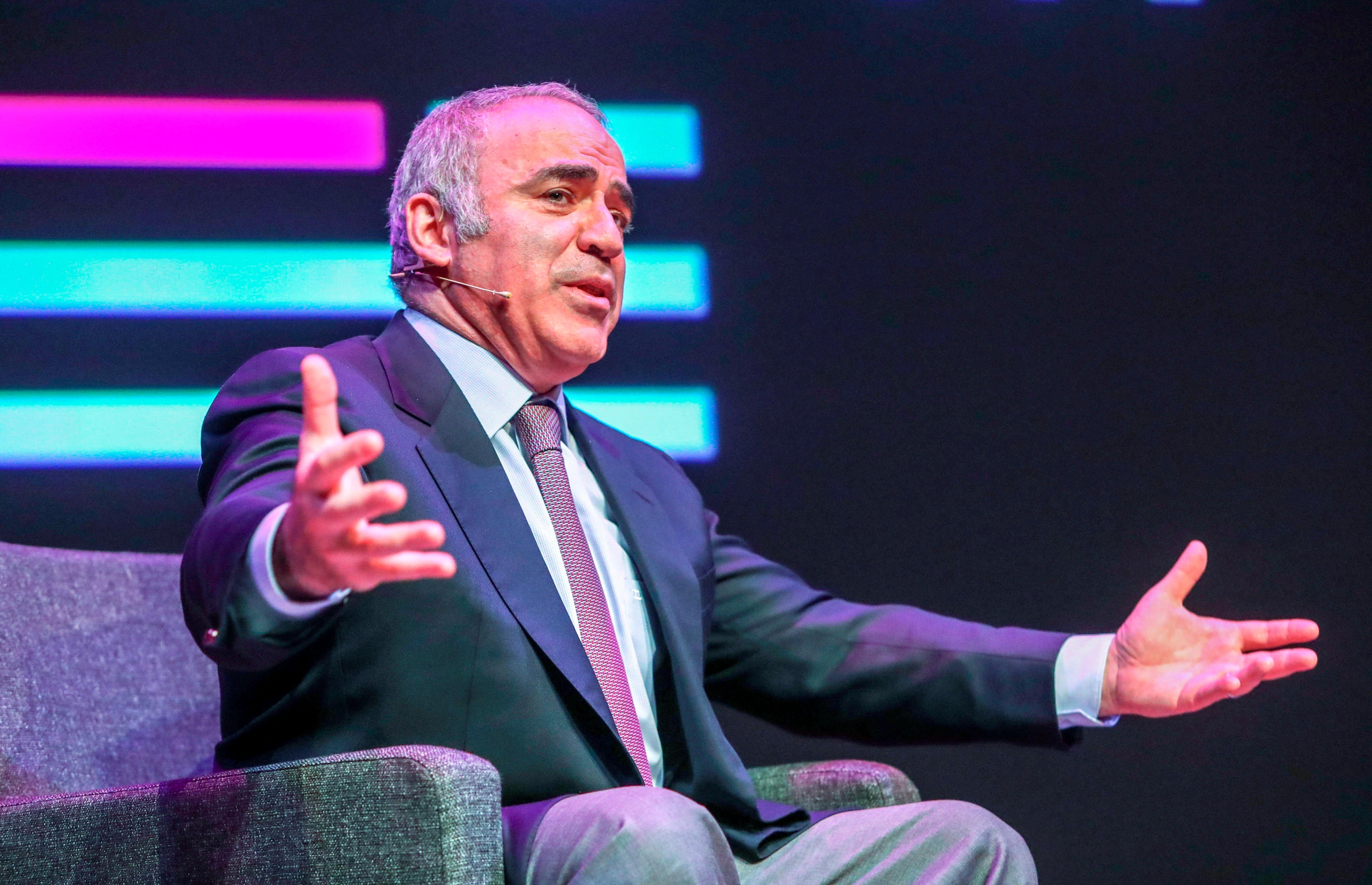El excampeón mundial de ajedrez Garry Kasparov en una de sus habituales conferencias alrededor del mundo.