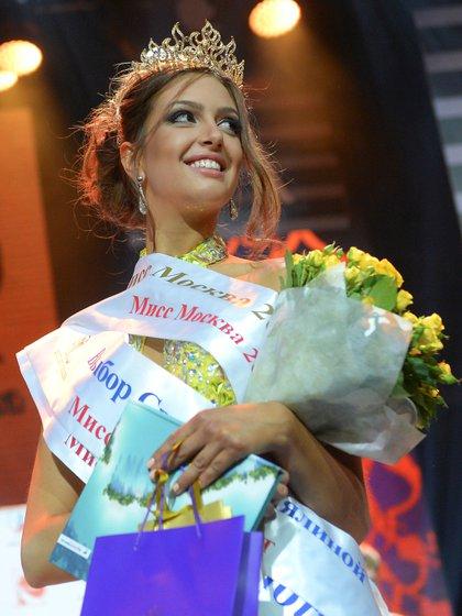 Oksana Voevodina se coronó como Miss Moscú 2015  -   REUTERS