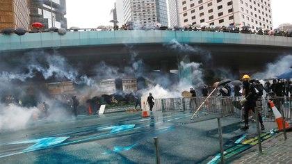 Manifestantes asisten a una protesta en Hong Kong, China, el 31 de agosto de 2019. (REUTERS/Kai Pfaffenbach)