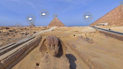 La esfinge, en Egipto y detrás la Gran Pirámide de Giza