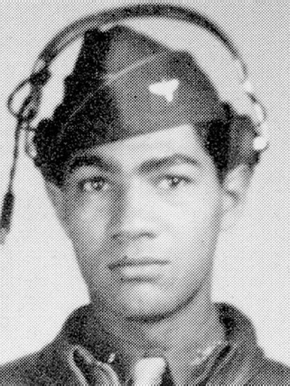 Lawrence E. Dickson se estrelló con su P-51D Mustang en diciembre de 1944 en la frontera entre Italia y Austria. Era parte de los Tuskegee Airmen, una fuerza de élite (Getty)