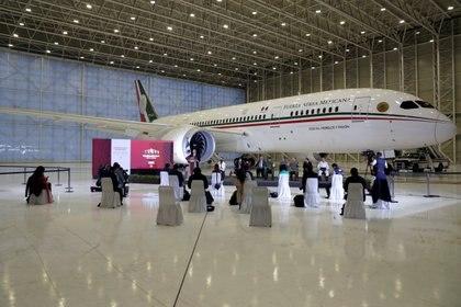 Muestran el avión presidencial — EN VIVO