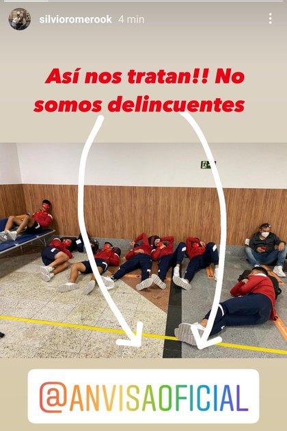 El enojo del delantero Silvio Romero por la situación que tuvo que pasar el equipo en Brasil