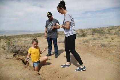 Después de los temblores del 4 y 5 de julio en California, apareció una gran grieta den el desierto (Foto: Mario Tama/Getty Images/AFP)