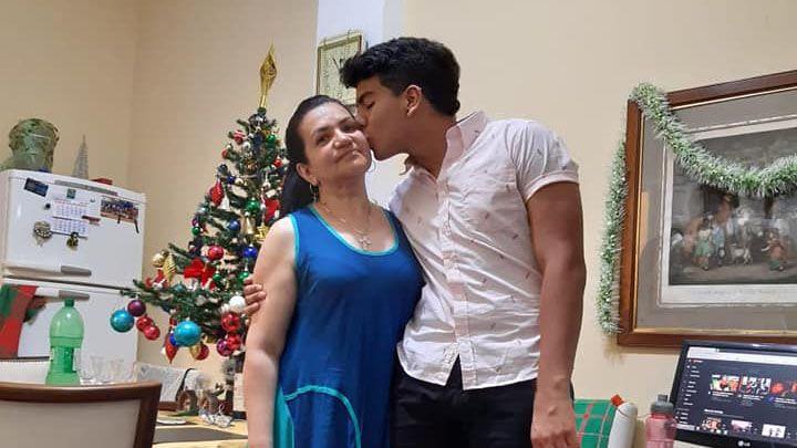 Graciela junto a su hijo, Fernando