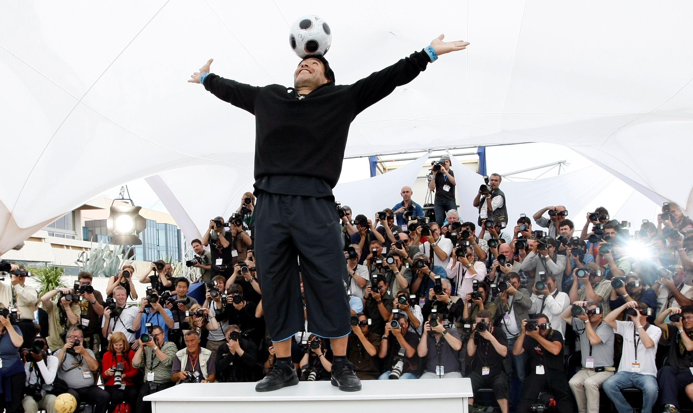 Diego Maradona, durante un evento en el Festival de Cannes de 2008 (REUTERS/Eric Gaillard/File Photo)