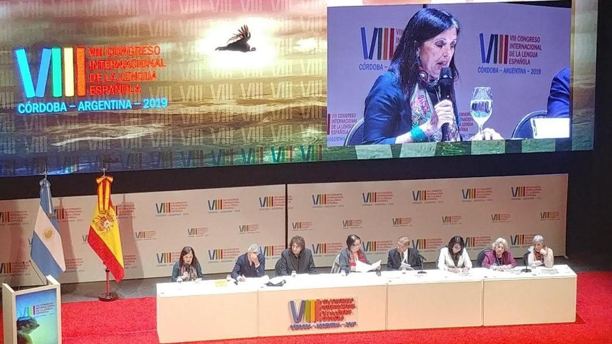 aa639e7fd El impactante y conmovedor discurso de Claudia Piñeiro en el Congreso de la  Lengua - Infobae