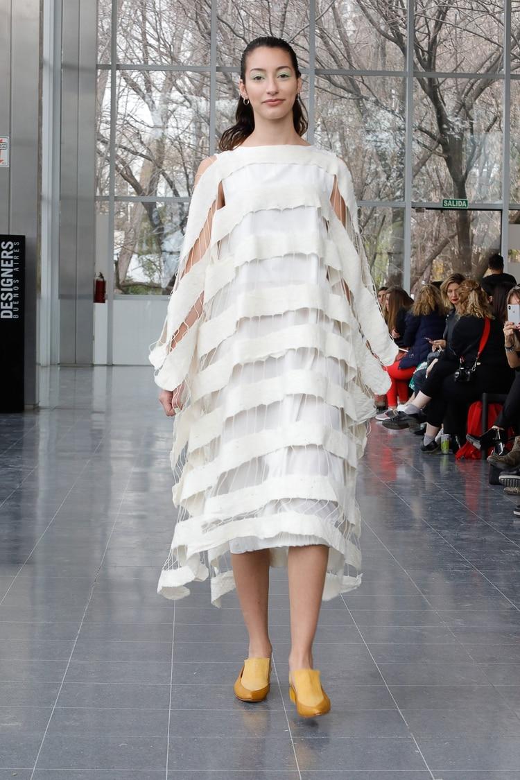 Sabrina Rodríguez Uzal, la diseñadora ganadora del concurso Terma, presentó en Designers su colección Germin.ar.