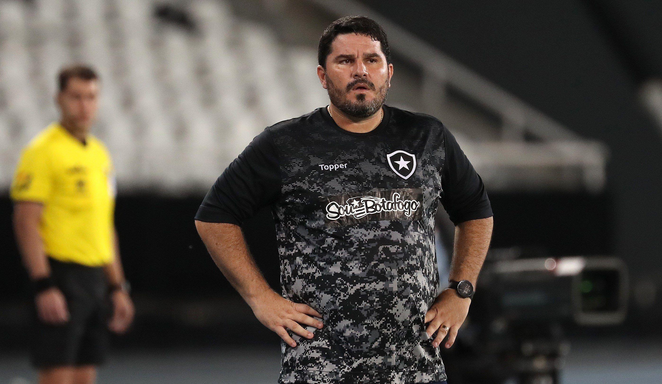 En la imagen, el extécnico de Botafogo, Eduardo Barroca. EFE/ FABIO MOTTA/Archivo