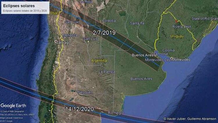 Los eclipses que transitarán la Argentina y Chile en 2019 y 2019. Crédito: Guillermo Abramson y Xavier Jubier