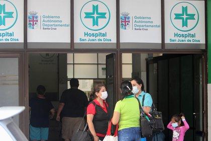 Médicos bolivianos denunciaron que los respiradores comprados por el Estado no eran adecuados para las unidades de terapia intensiva de los hospitales (EFE/Juan Carlos Torrejón/Archivo)