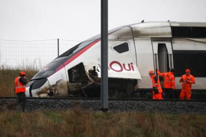 Imagen del tren que descarriló en Francia (REUTERS/Pascal Rossignol)