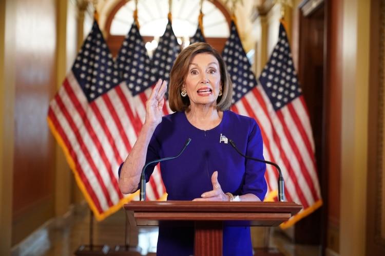 Nancy Pelosi, legisladora demócrata y jefa de la Cámara de Representantes de los EEUU (Photo by Mandel NGAN / AFP)