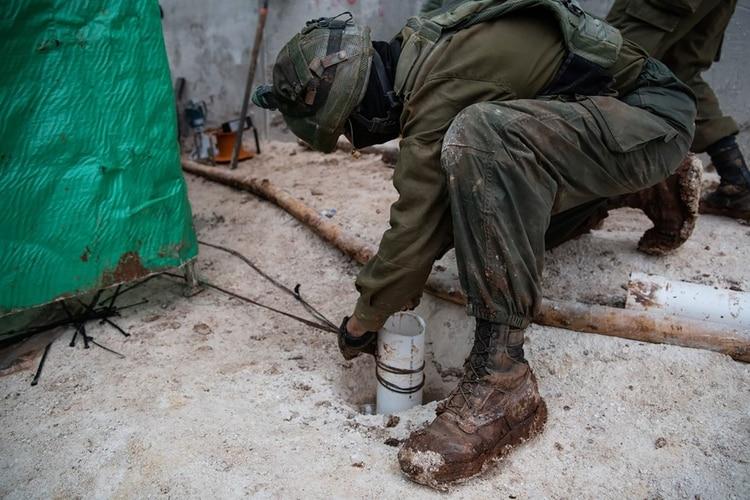 Israel aumenta sus esfuerzos para evitar que Hezbollah construya nuevos túneles terroristas en la frontera (Twitter: @IDF)