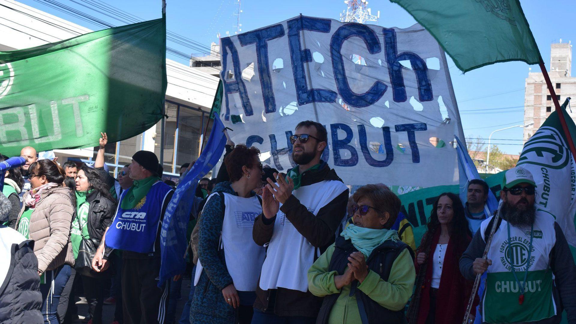 Los gremios estatales mantienen un conflicto con el gobierno de Chubut