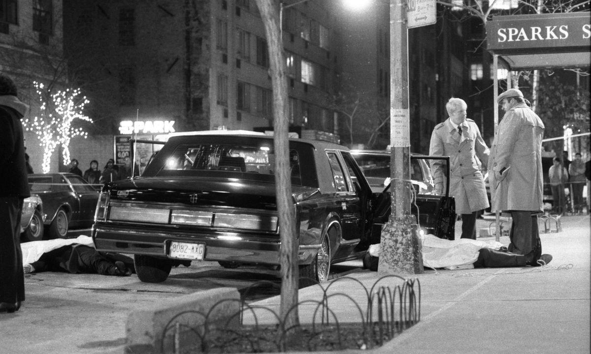 Escena de un ajuste de cuentas mafioso en 1957 en Nueva York.