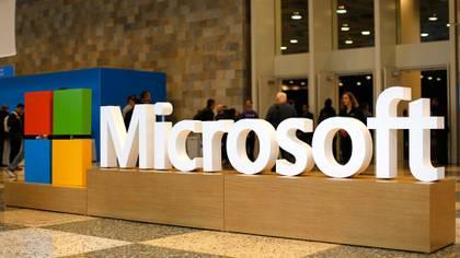 Microsoft maneja las bases de datos de 1.700.000 clientes en todo el mundo y cuenta con una infraestructura de 100 centros de datos en 40 regiones alrededor delplaneta(Getty Images)