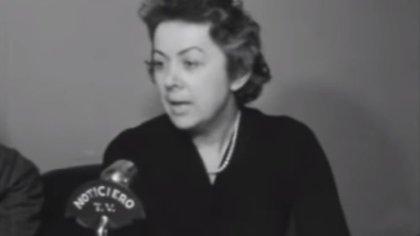 Clotilde Sabattini, cuando era presidenta del Consejo Nacional de Educación, en 1958