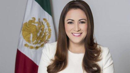 El INE determinó no procedente la queja en contra de María Teresa Jiménez Esquivel por aparecer en un largometraje de Netflix (Foto: Facebook@TereJimenezAgs)