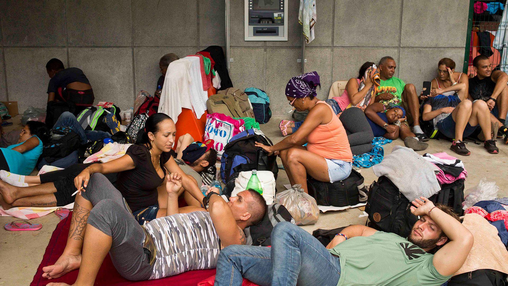 Cubanos, en Costa Rica, antes de seguir a Nicaragua, camino a Estados Unidos