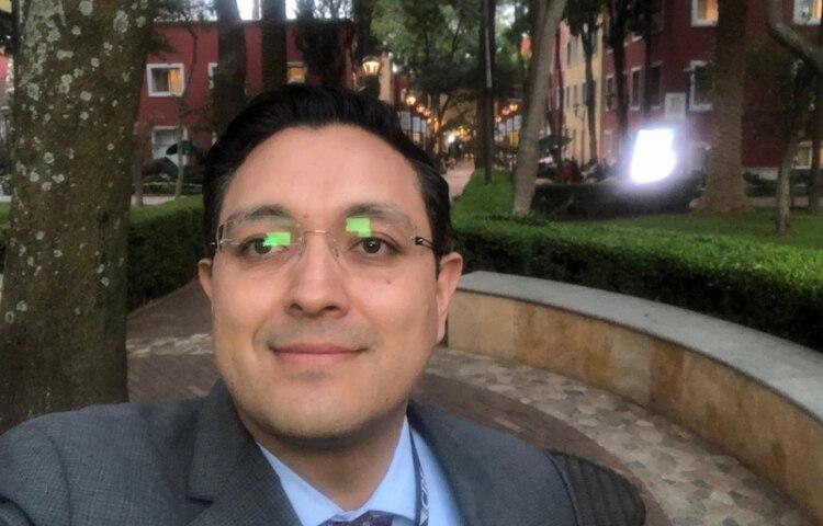 El comisionado Guillermo Zúñiga anunció su salida de la CRE en abril(Foto: @memo_z)