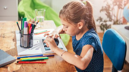 Family Link permite establecer límites horarios y ver cuánto tiempo permanecen los niños en cada aplicación a la que ingresan desde el celular o tablet