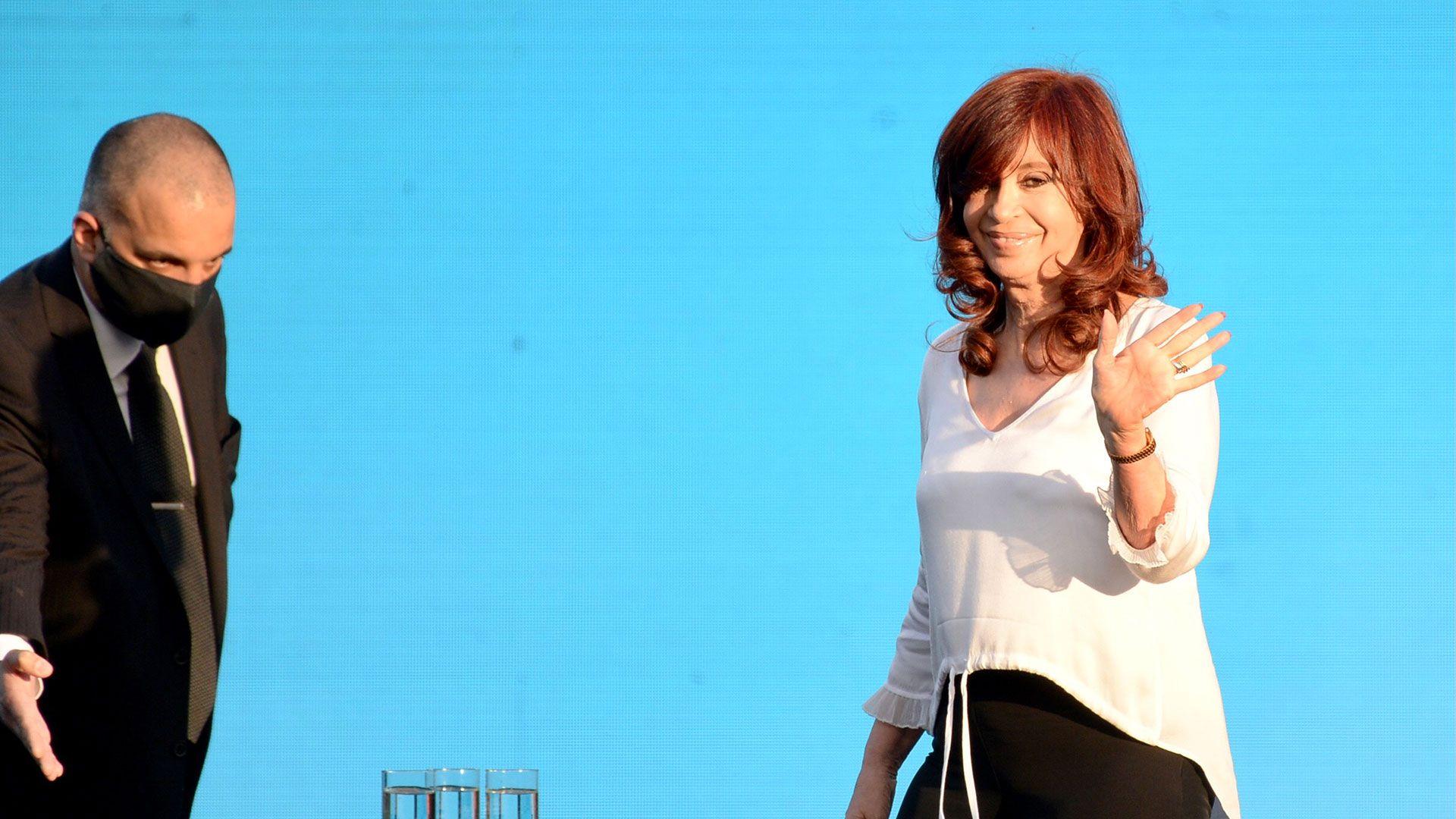 acto en el estadio unico de la plata Alberto Fernández y Cristina Kirchner con Sergio Massa y Axel Kicillof