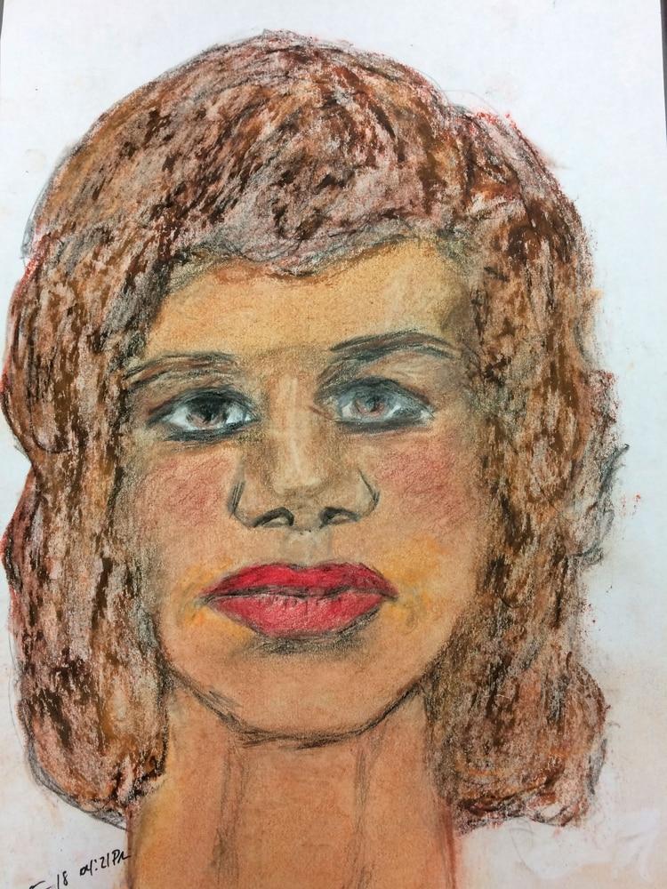 Mujer entre 35 y 45 años, asesinada en 1977. Conoció a la víctima en Gulfport, Mississippi. Ultimada en Pascagoula, Mississippi (FBI)