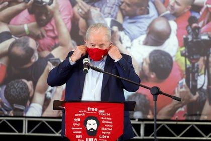 El ex presidente brasileño Luiz Inácio Lula da Silva en uno de sus primeros actos tras su rehabilitación (EFE/Fernando Bizerra Jr./Archivo)