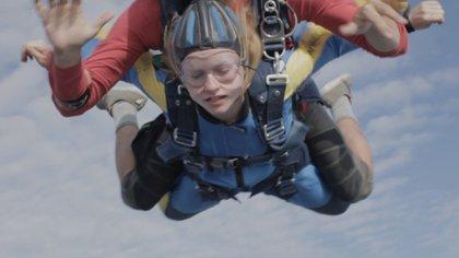 """""""Anne at 13,000 ft"""", de Kazik Radwanski"""