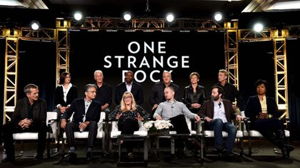 Los astronautasNicole Stott, Jeff Hoffman, Leland Melvin, Mike Massimino, Peggy Whitson, Jerry Linenger, Chris Hadfield, Mae Jamison, Showrunner Arif Nurmohamed, y los productores Jane Root, Darren Aronofsky and Ari Handel
