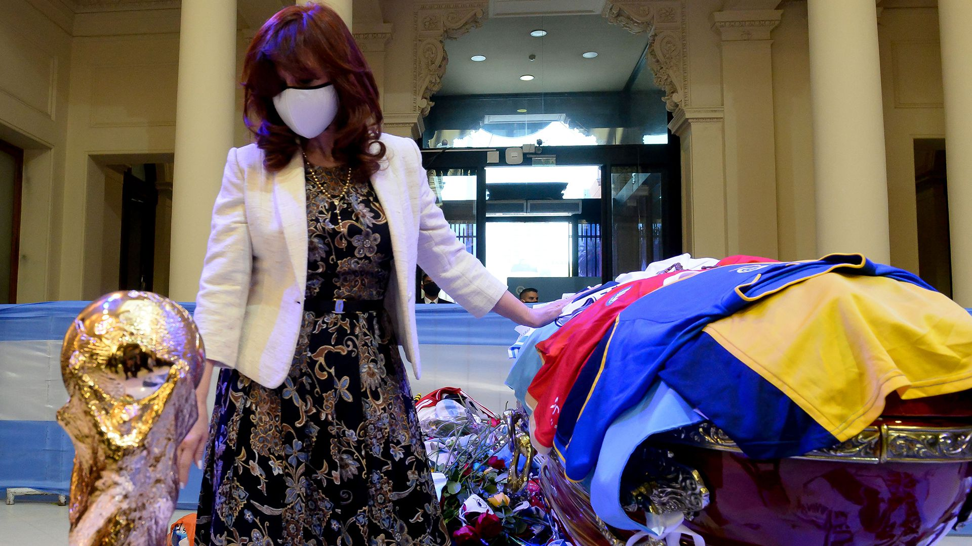 Cristina Fernández de Kirchner - Velatorio Diego Armando Maradona en Casa Rosada