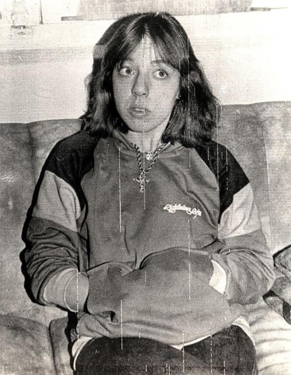 Claudia Sobrero junto a su novio y cómplice le aplastaron la cabeza con una plancha a Palacios y luego lo apuñalaon. A su esposa la mataron de 16 puñaladas