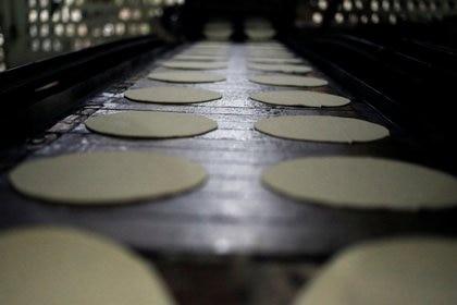 Profeco había dicho que no había razones o motivos para que el precio del kilo de tortillas aumentara (Foto: REUTERS/Daniel Becerril)