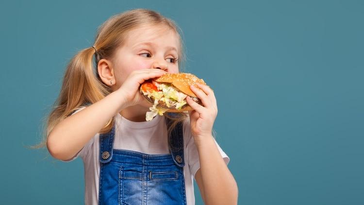 El 30% de los niños en edad escolar tiene sobrepeso y el 6% es obeso (Getty Images)