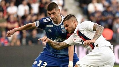Según los diarios franceses, Paredes y Di María no se mostraron entusiasmados con el arribo de Icardi (Foto: AFP)