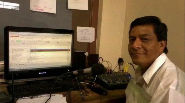 Telésforo Santiago Enríquez, profesor y comunicador, fue emboscado en su automóvil (Foto: archivo)