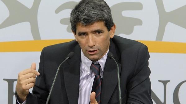 El ex vicepresidente uruguayo Raúl Sendic se quedó sin apoyo y tuvo que renunciar
