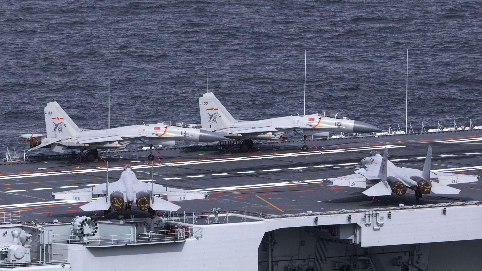 PLA avion chino